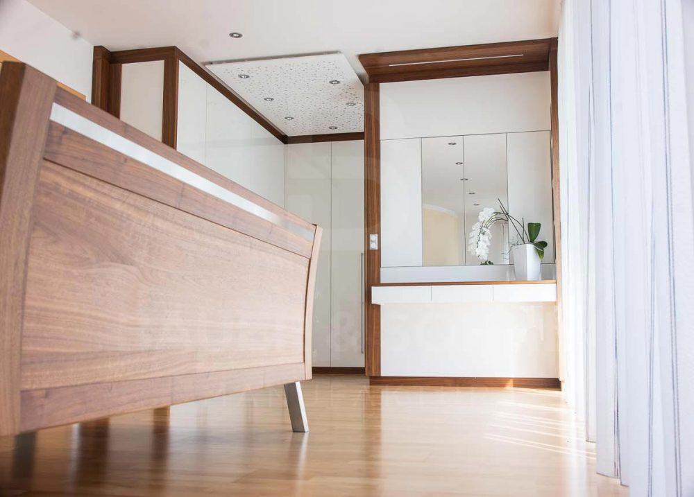 schlafzimmer mit begehbarem kleiderschrank bauer und s hne. Black Bedroom Furniture Sets. Home Design Ideas